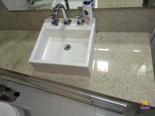 Banheiro suíte 04